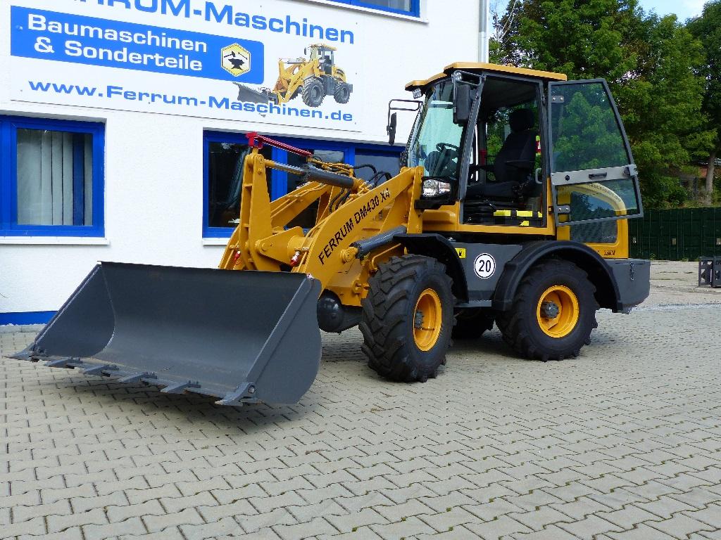 FERRUm DM430 x4 in gelb mit Standardschaufel Ansicht II