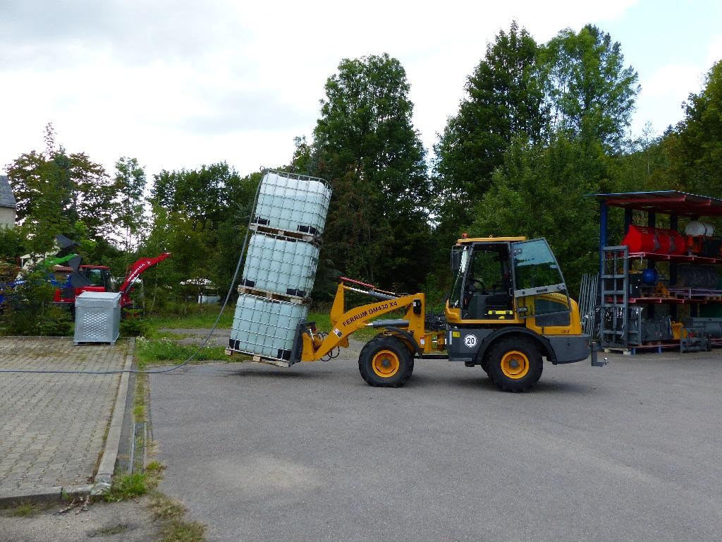 FERRUM DM430 x4 mit 3 Tonnen auf der Gabel